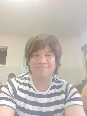 Lee's photo